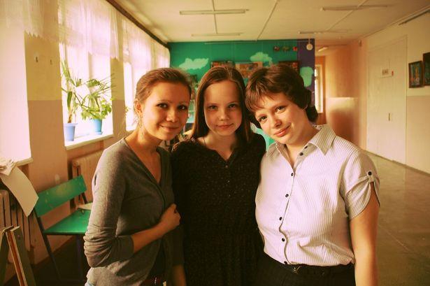 Евгения Пенетова (на фото слева) на практике убедилась, что в ЕГЭ нет ничего страшного.