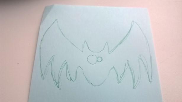 Делаем заготовку рисуем летучую мышь на листе