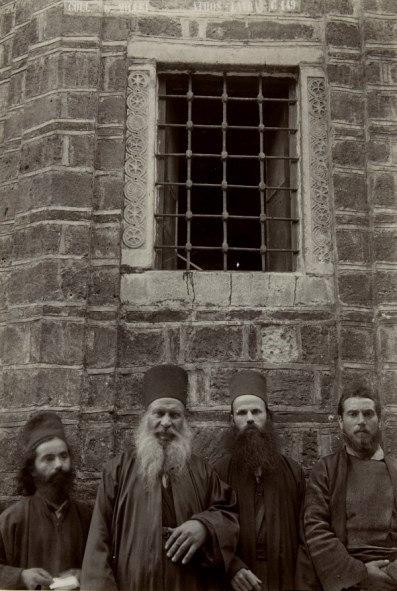 Сыктывкарцы смогут увидеть фоторепортаж о жизни монахов на Афоне