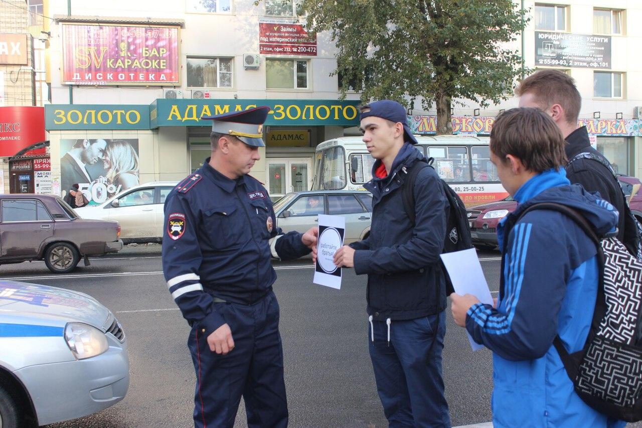 ВЮгре проходит акция впамять обубитом боевиками вДагестане полицейском